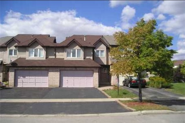 Main Photo: 17 Ashbrook Way in Brampton: Fletcher's West House (2-Storey) for sale : MLS®# W3353763