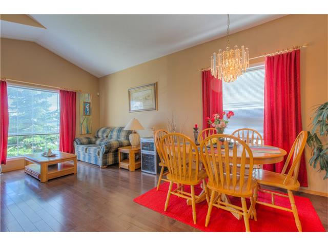 Photo 9: 185 ERIN Circle SE in Calgary: Erin Woods House for sale : MLS(r) # C4070025