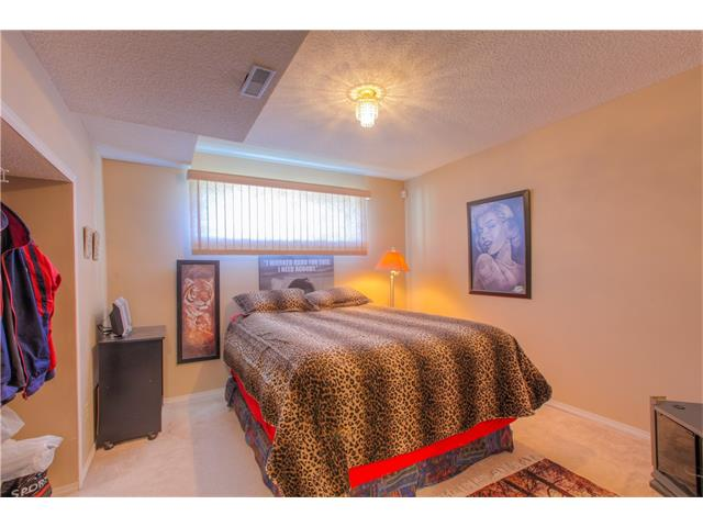 Photo 15: 185 ERIN Circle SE in Calgary: Erin Woods House for sale : MLS(r) # C4070025