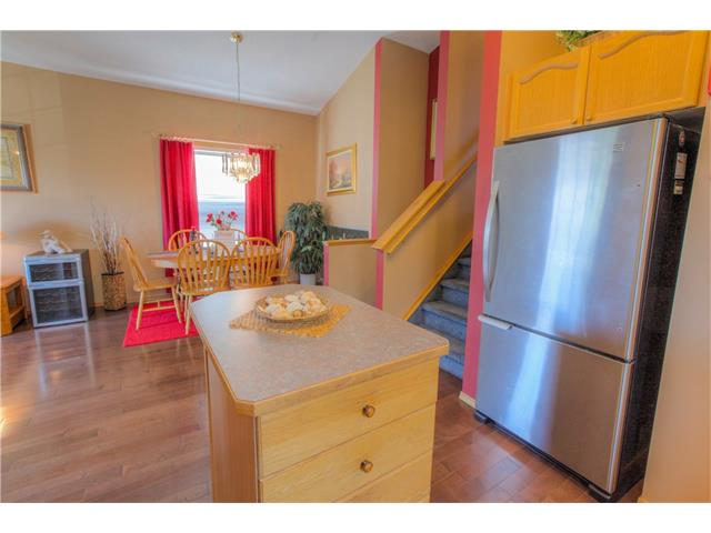 Photo 8: 185 ERIN Circle SE in Calgary: Erin Woods House for sale : MLS(r) # C4070025