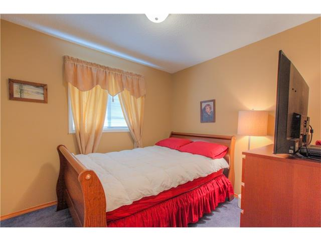 Photo 12: 185 ERIN Circle SE in Calgary: Erin Woods House for sale : MLS(r) # C4070025