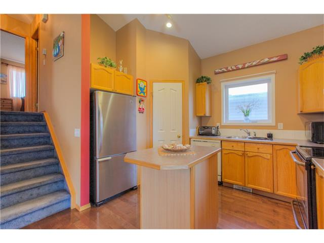 Photo 5: 185 ERIN Circle SE in Calgary: Erin Woods House for sale : MLS(r) # C4070025