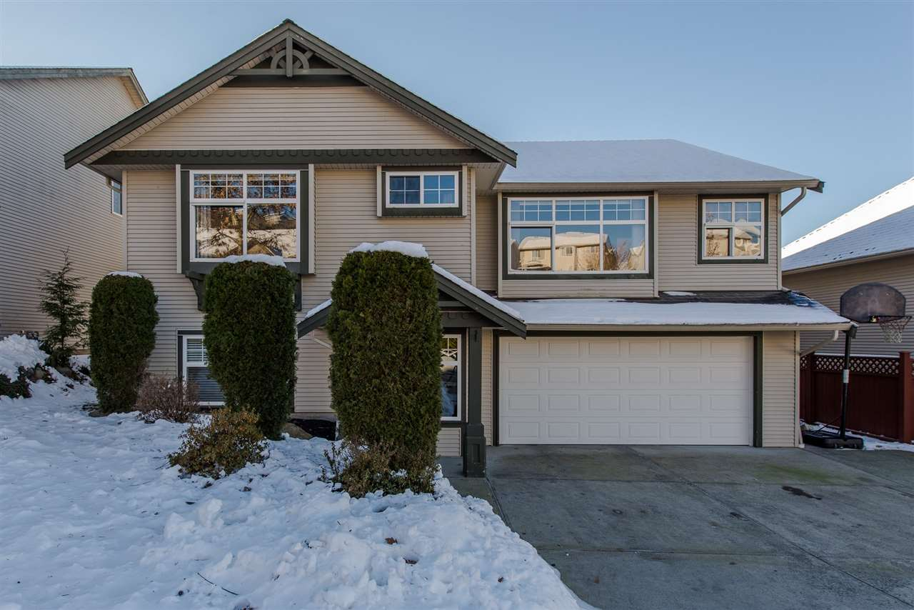 Main Photo: 35548 TWEEDSMUIR Drive in Abbotsford: Abbotsford East House for sale : MLS(r) # R2129226