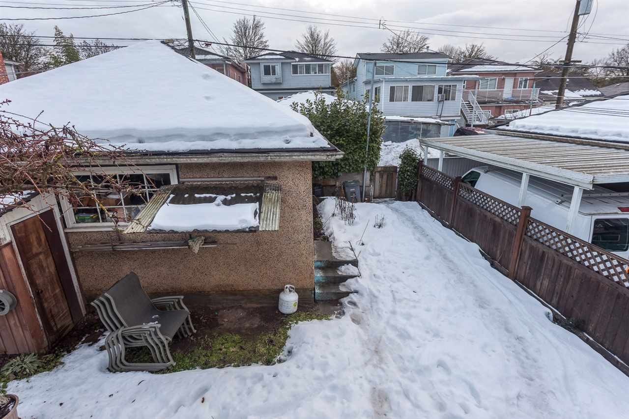 Photo 18: 2460 E 19TH Avenue in Vancouver: Renfrew Heights House for sale (Vancouver East)  : MLS® # R2130175