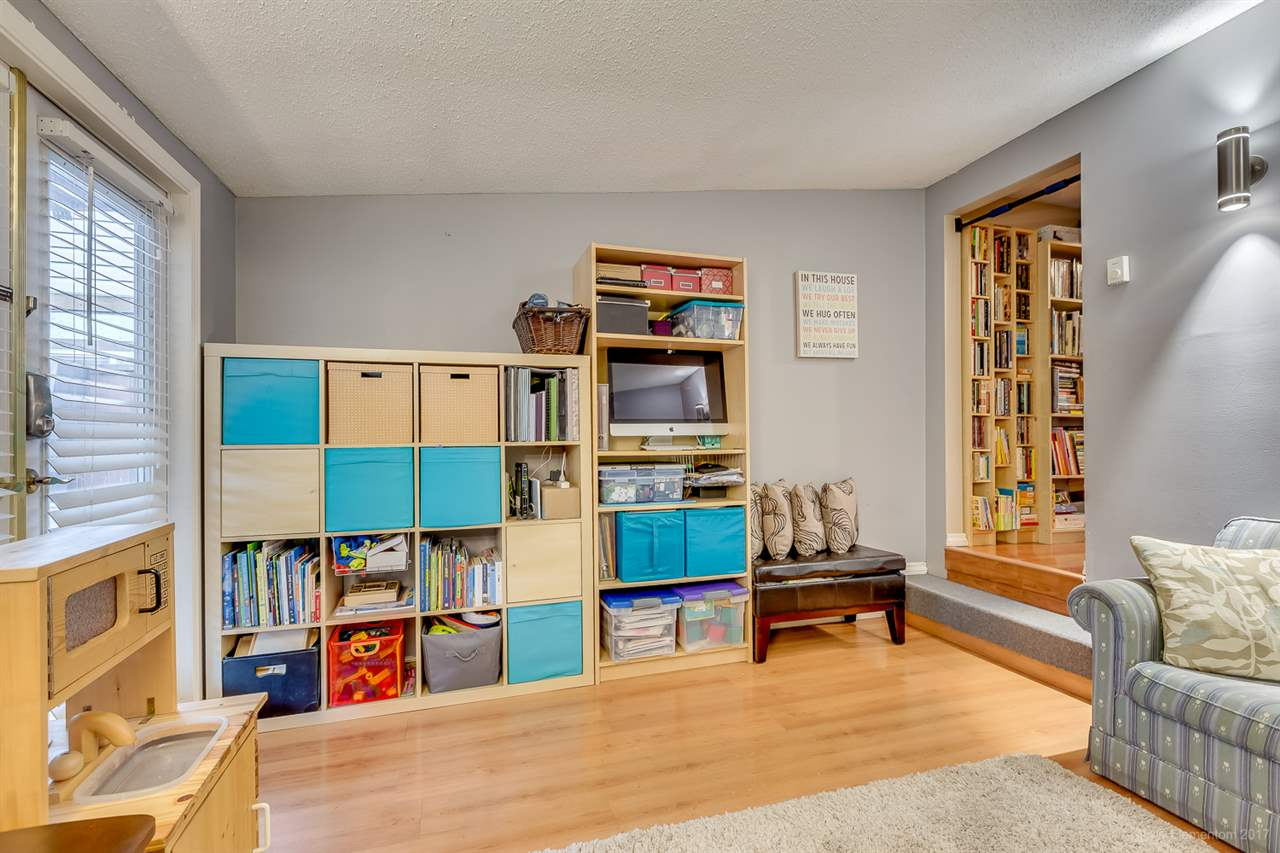 Photo 10: 2215 HAWTHORNE Avenue in Port Coquitlam: Central Pt Coquitlam House for sale : MLS® # R2134219