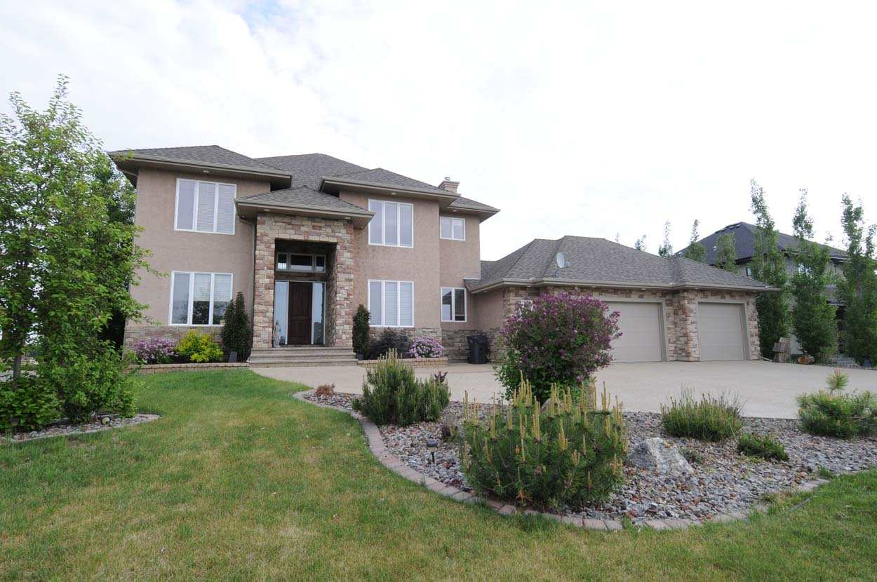 Main Photo: 547 Manor Pointe Court: Rural Sturgeon County House for sale : MLS(r) # E4049019