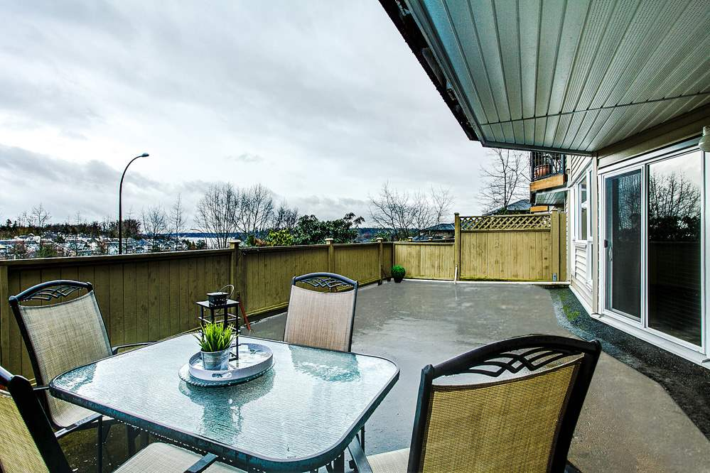 Photo 15: 114 11595 FRASER Street in Maple Ridge: East Central Condo for sale : MLS® # R2146749