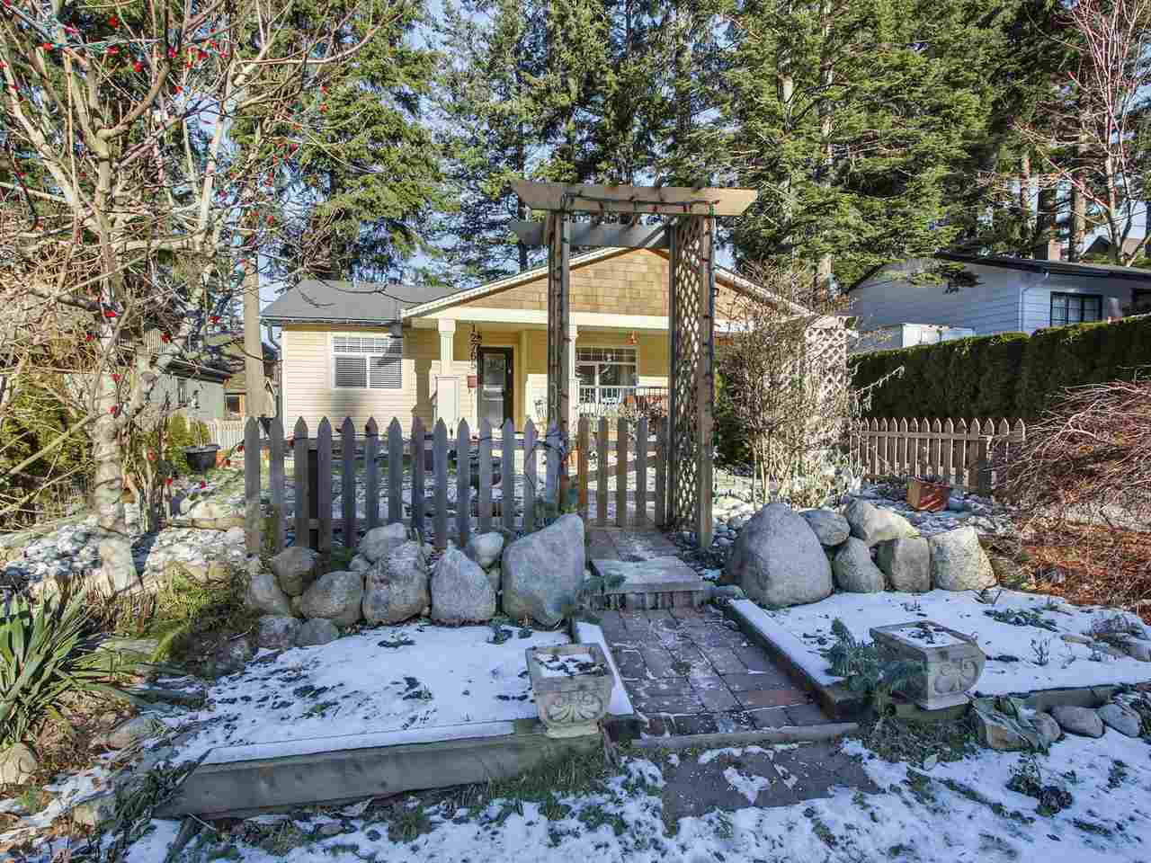 Main Photo: 12765 15A Avenue in Surrey: Crescent Bch Ocean Pk. House for sale (South Surrey White Rock)  : MLS®# R2153221