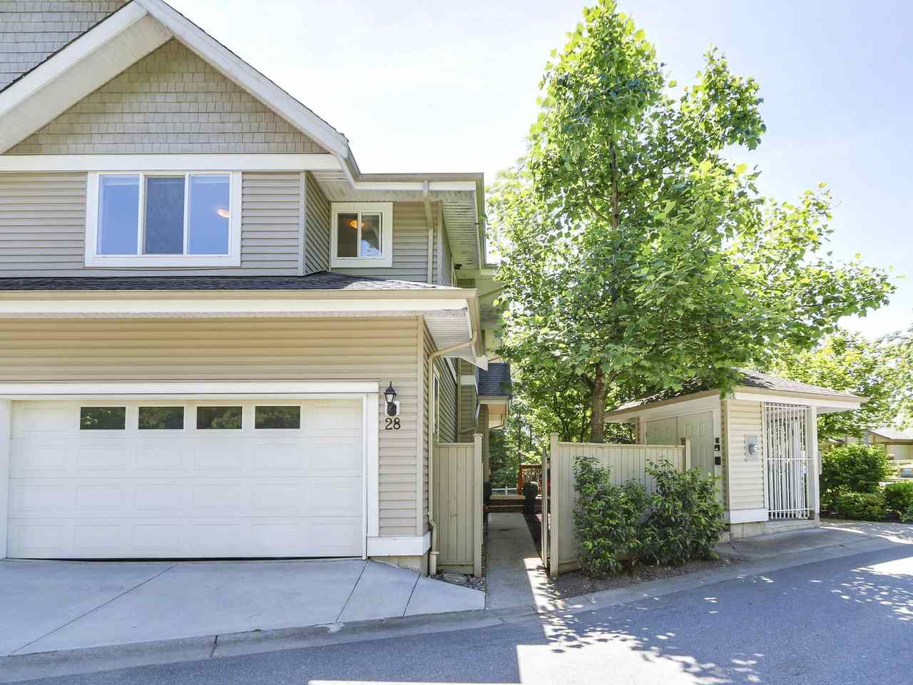 "Main Photo: 28 8568 209 Street in Langley: Walnut Grove Townhouse for sale in ""CREEKSIDE ESTATES"" : MLS(r) # R2174464"