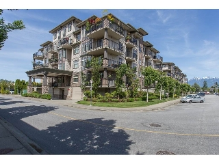 "Main Photo: 400 9060 BIRCH Street in Chilliwack: Chilliwack W Young-Well Condo for sale in ""The Aspen Grove"" : MLS(r) # R2174741"