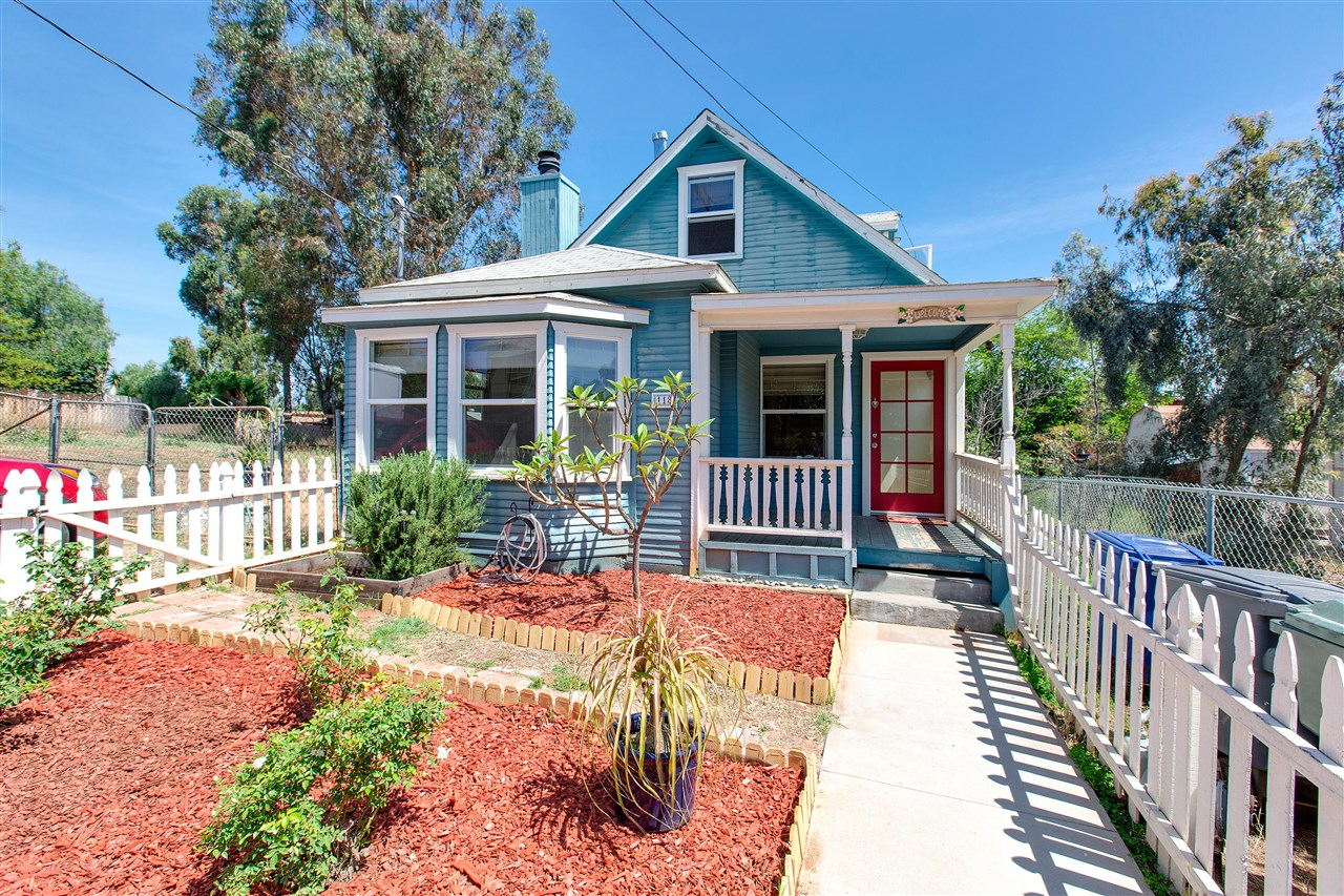Main Photo: EL CAJON House for sale : 3 bedrooms : 118 Wall Pl
