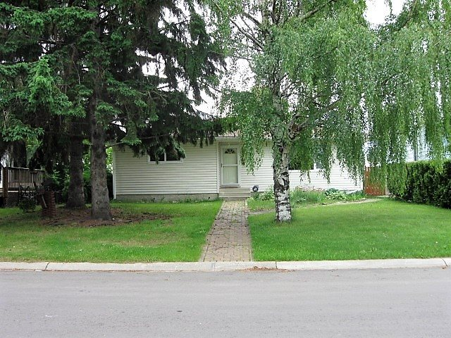 Photo 2: 6 BEECHMONT Avenue S: Spruce Grove House for sale : MLS® # E4069321