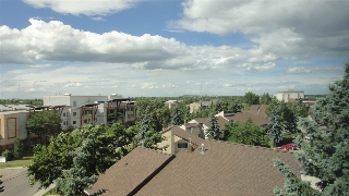 Main Photo:  in Edmonton: Zone 22 Condo for sale : MLS(r) # E4070773