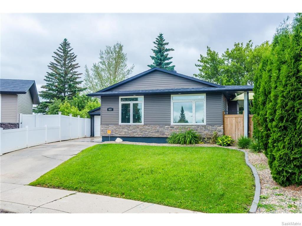 Main Photo: 633 Douglas Crescent in Saskatoon: Confederation Park Residential for sale : MLS(r) # SK615117