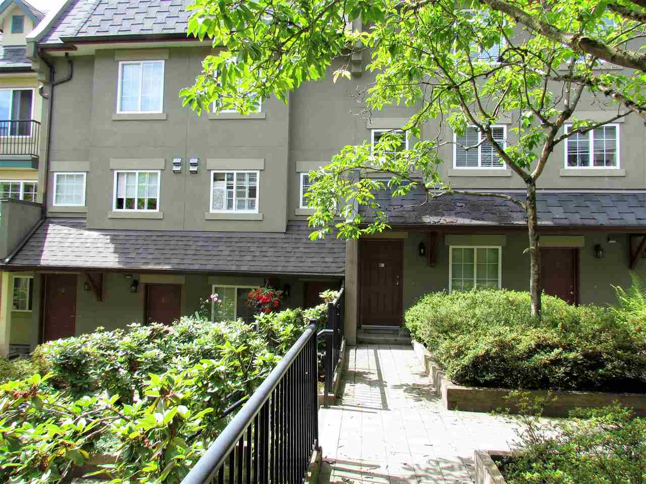 Main Photo: 25 1561 BOOTH Avenue in Coquitlam: Maillardville Townhouse for sale : MLS® # R2188356