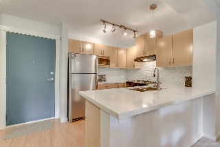 "Main Photo: 302 2988 SILVER SPRINGS Boulevard in Coquitlam: Westwood Plateau Condo for sale in ""TRILLIUM"" : MLS® # R2199392"