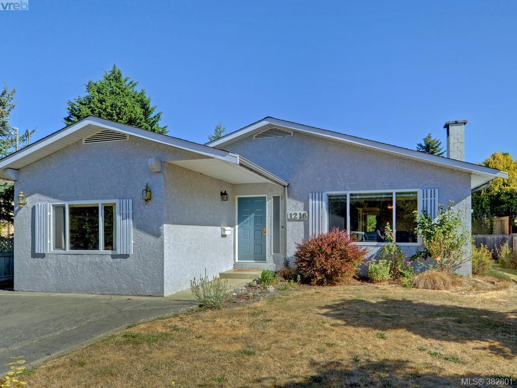 Main Photo: 1216 Loenholm Road in VICTORIA: SW Layritz Single Family Detached for sale (Saanich West)  : MLS® # 382801