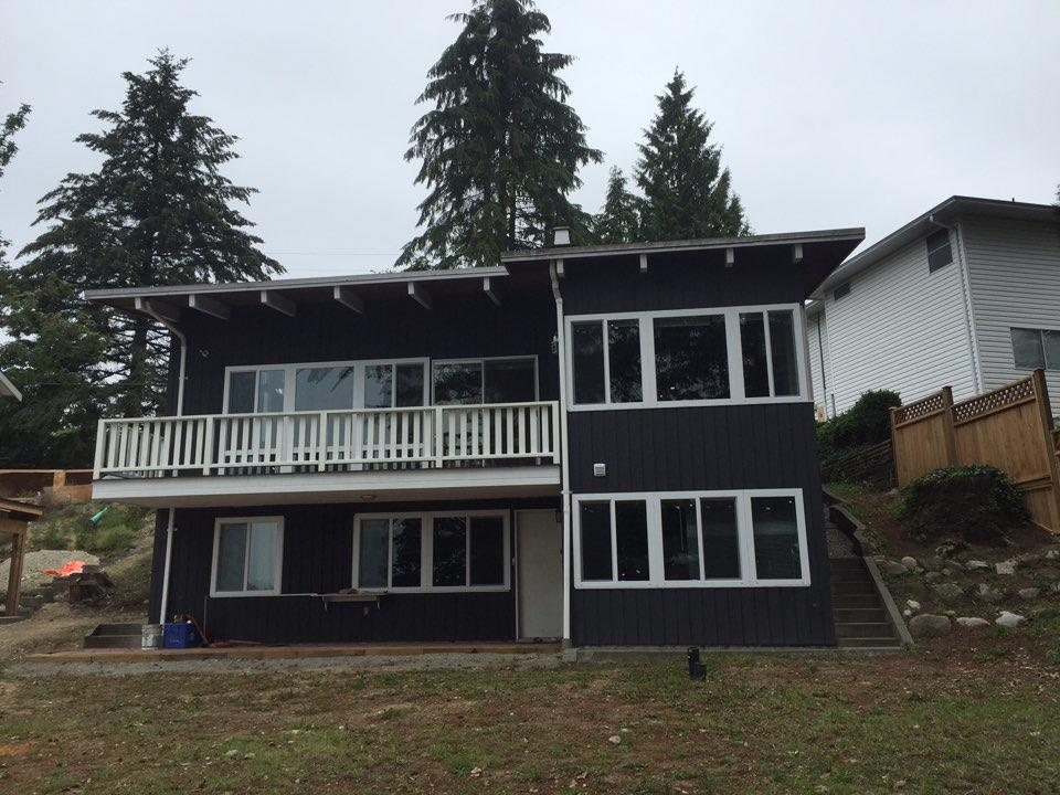 Photo 1: 2030 HILLSIDE Avenue in Coquitlam: Cape Horn House for sale : MLS® # R2205351