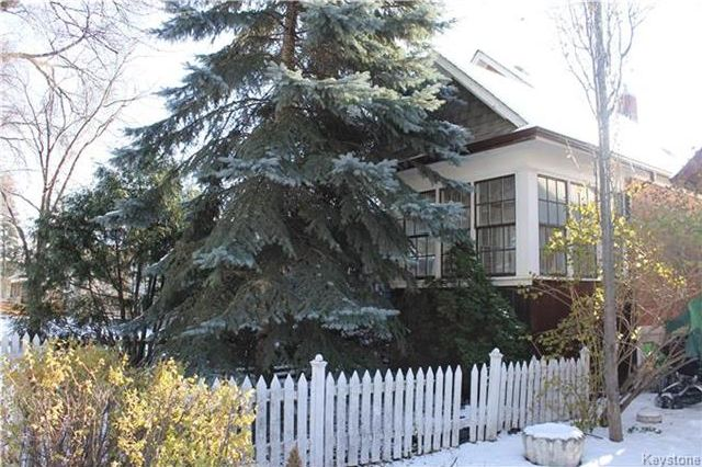 FEATURED LISTING: 146 Lansdowne Avenue Winnipeg