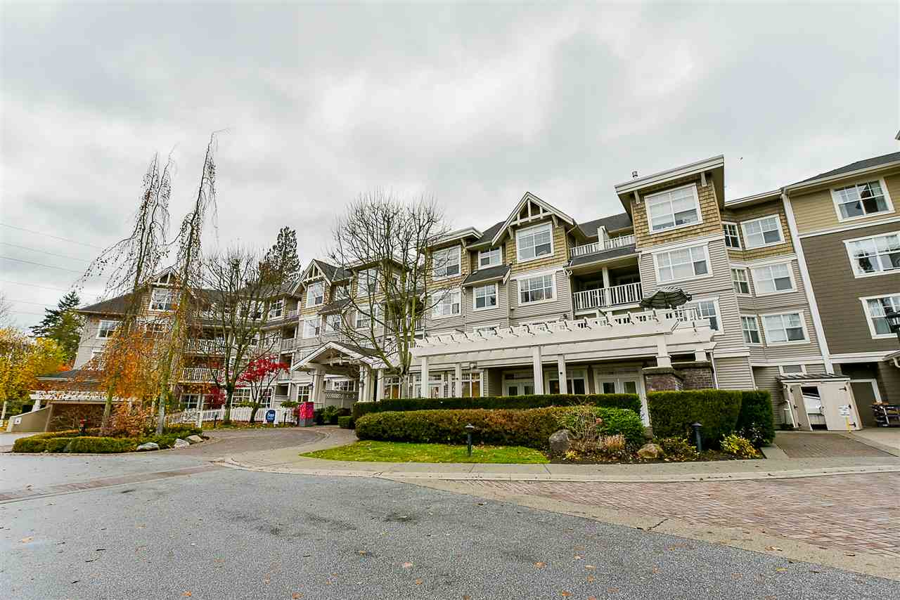 "Main Photo: 201 960 LYNN VALLEY Road in North Vancouver: Lynn Valley Condo for sale in ""Balmoral House"" : MLS®# R2222275"