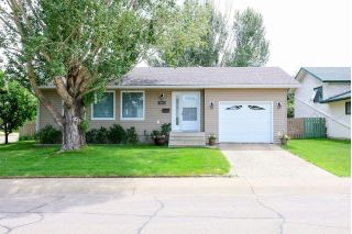 Main Photo: 2609 129A Avenue NW in Edmonton: Zone 35 House for sale : MLS®# E4118583
