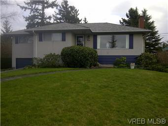 Main Photo: 765 Chesterlea Road in VICTORIA: SE High Quadra Single Family Detached for sale (Saanich East)  : MLS® # 289261