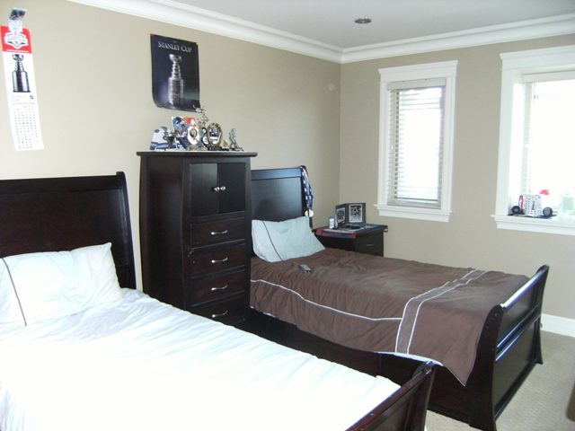 "Photo 16: 7468 149TH Street in Surrey: East Newton House for sale in ""CHIMNEY"" : MLS® # F1110344"