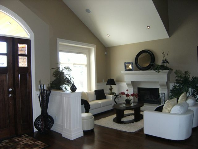 "Photo 3: 7468 149TH Street in Surrey: East Newton House for sale in ""CHIMNEY"" : MLS® # F1110344"