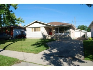Main Photo: 617 Vimy Road in WINNIPEG: Westwood / Crestview Residential for sale (West Winnipeg)  : MLS® # 1109862