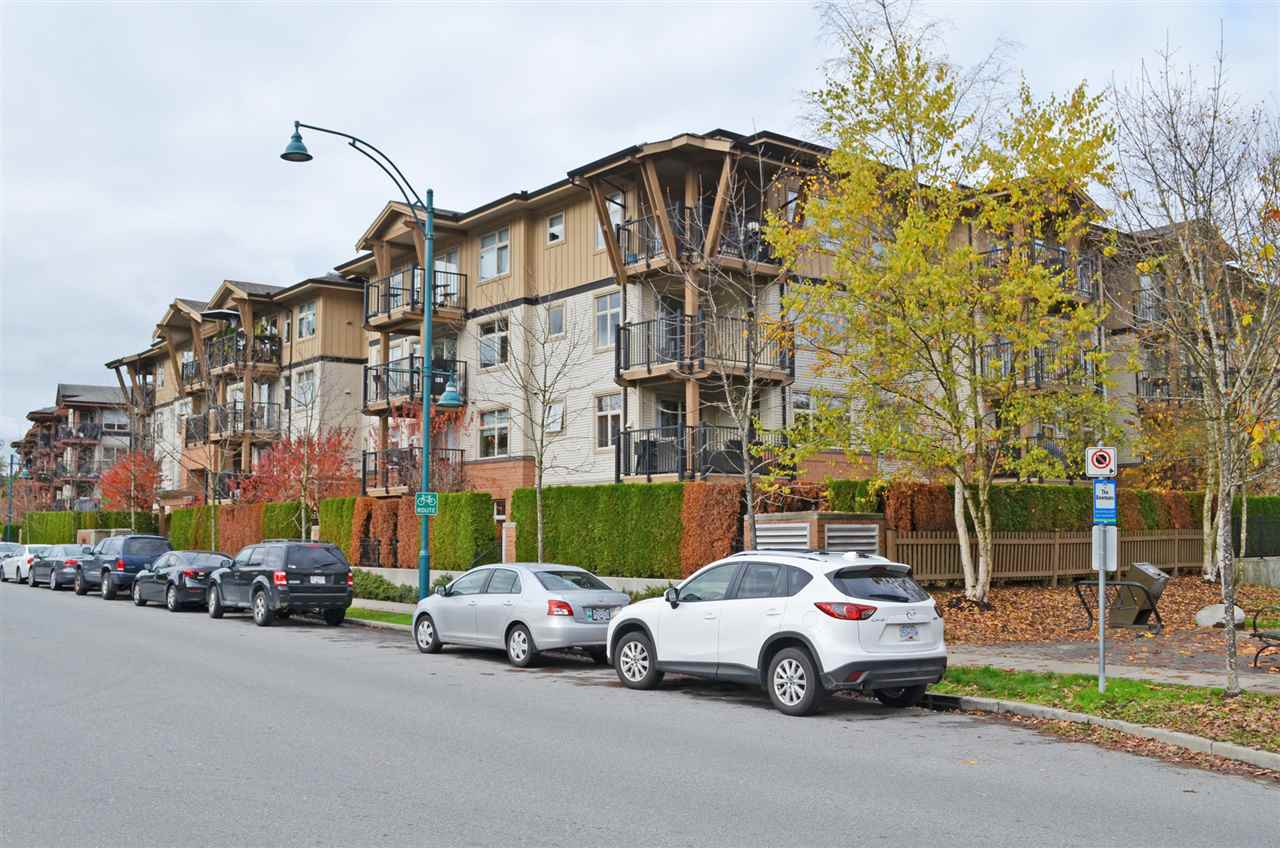 "Main Photo: 309 500 KLAHANIE Drive in Port Moody: Port Moody Centre Condo for sale in ""TIDES"" : MLS®# R2011604"