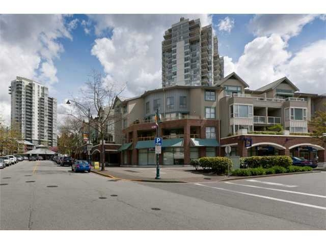 "Main Photo: 205 220 NEWPORT Drive in Port Moody: North Shore Pt Moody Condo for sale in ""NEWPORT VILLAGE"" : MLS® # R2036946"