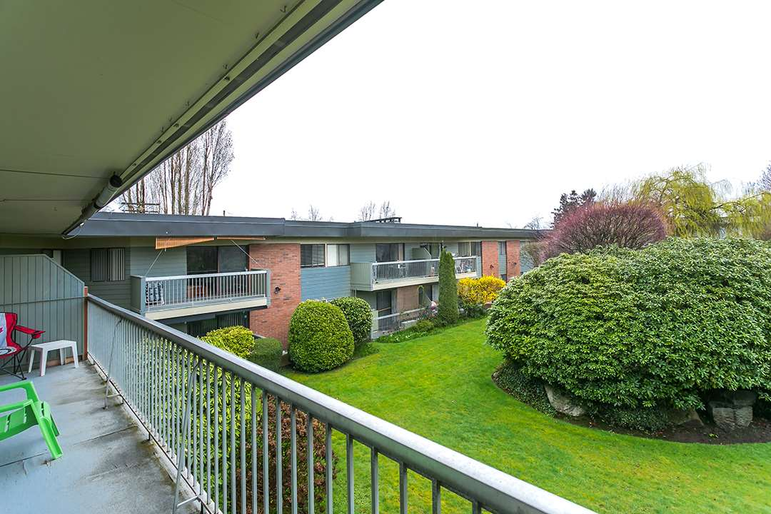 "Photo 15: 216 2600 E 49TH Avenue in Vancouver: Killarney VE Condo for sale in ""SOUTHWINDS"" (Vancouver East)  : MLS® # R2043761"