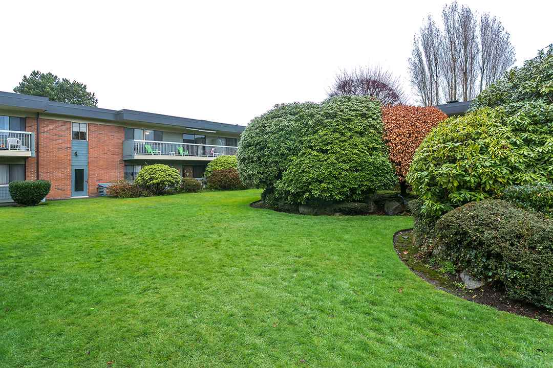 "Photo 18: 216 2600 E 49TH Avenue in Vancouver: Killarney VE Condo for sale in ""SOUTHWINDS"" (Vancouver East)  : MLS® # R2043761"