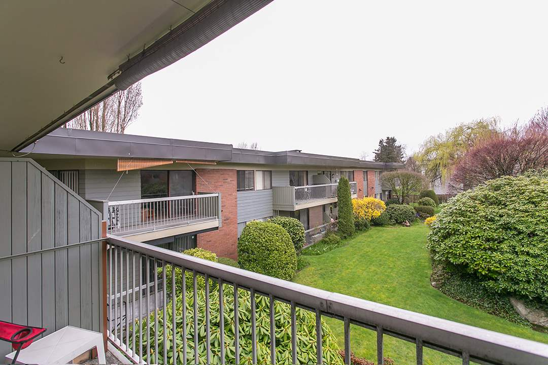 "Photo 13: 216 2600 E 49TH Avenue in Vancouver: Killarney VE Condo for sale in ""SOUTHWINDS"" (Vancouver East)  : MLS® # R2043761"