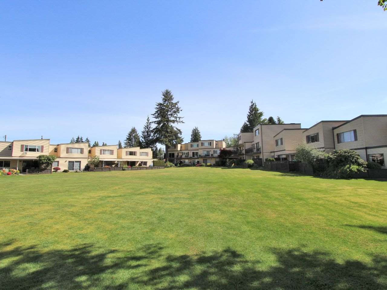 Photo 2: 606 2445 WARE Street in Abbotsford: Central Abbotsford Townhouse for sale : MLS® # R2059494