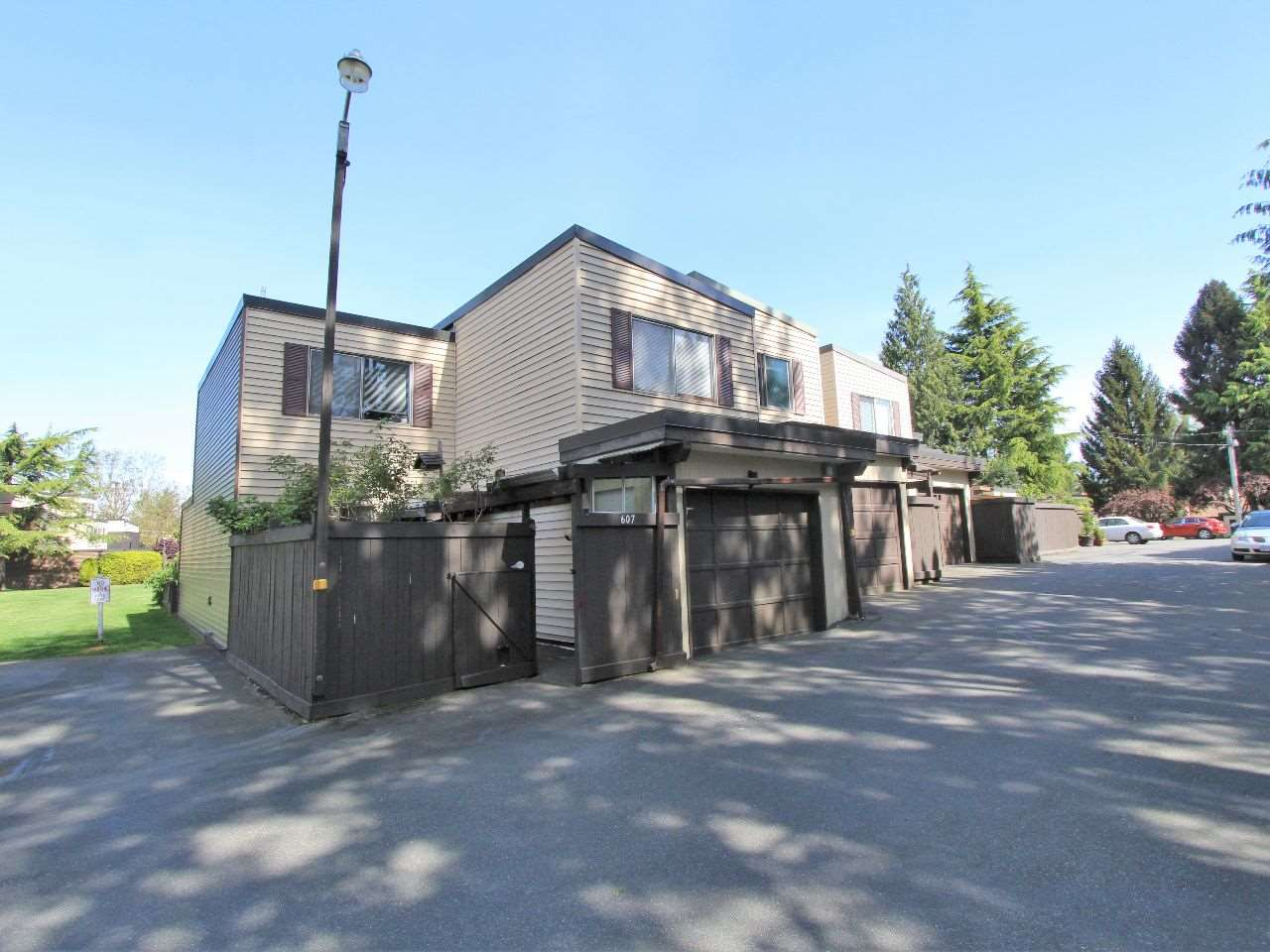 Photo 3: 606 2445 WARE Street in Abbotsford: Central Abbotsford Townhouse for sale : MLS® # R2059494