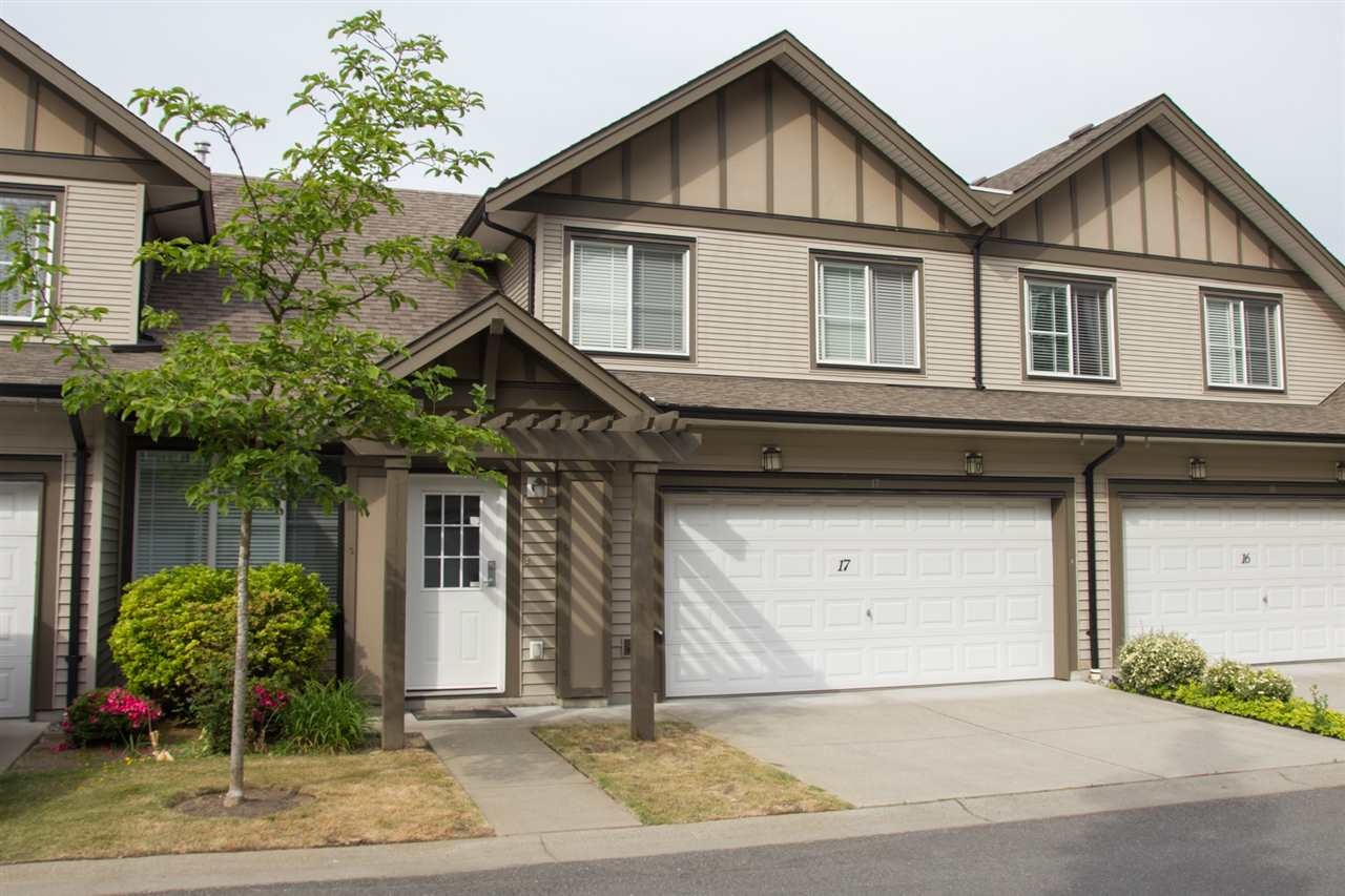 "Main Photo: 17 15868 85 Avenue in Surrey: Fleetwood Tynehead Townhouse for sale in ""Chestnut Grove"" : MLS®# R2070210"