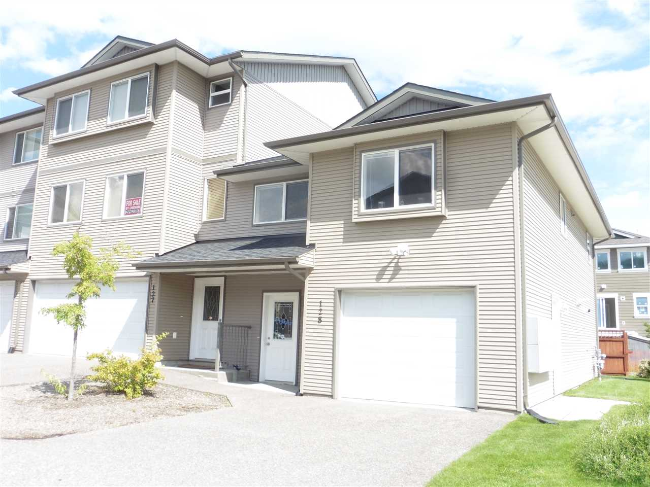 "Main Photo: 128 4404 5TH Avenue in Prince George: Heritage Townhouse for sale in ""HERITAGE PARK"" (PG City West (Zone 71))  : MLS®# R2099927"