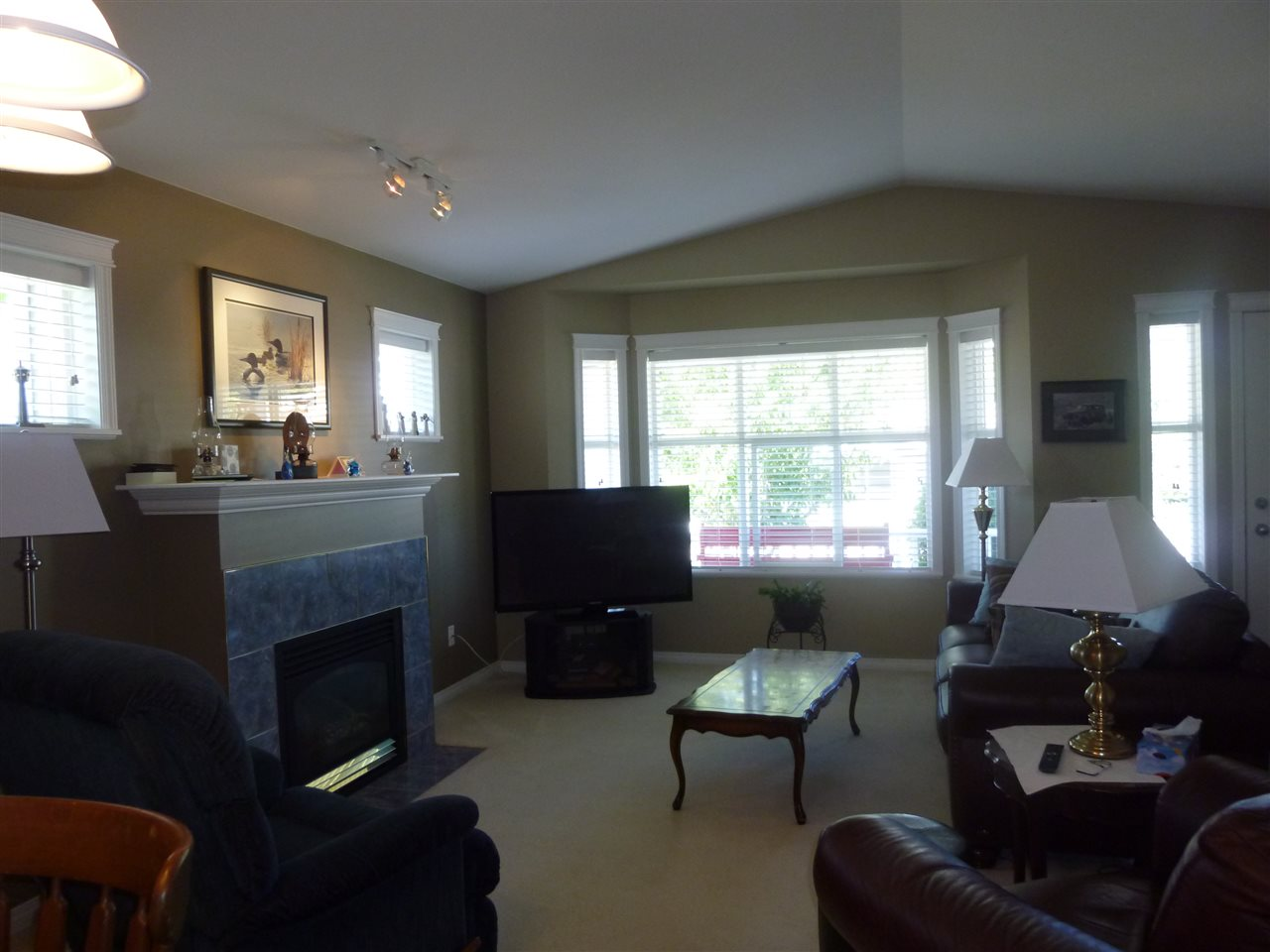 "Photo 5: Photos: 5644 CASCADE Crescent in Sechelt: Sechelt District House for sale in ""CASCADE CRESCENT"" (Sunshine Coast)  : MLS®# R2102236"