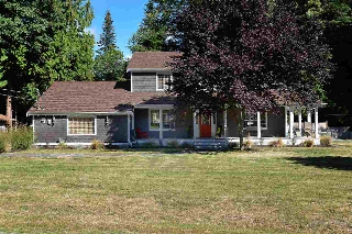 "Main Photo: 1080 TIMBERLAND Road: Roberts Creek House for sale in ""Heart of Roberts Creek"" (Sunshine Coast)  : MLS(r) # R2107079"