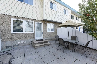 Main Photo: 114 16348 109 Street in Edmonton: Zone 27 Townhouse for sale : MLS(r) # E4045466