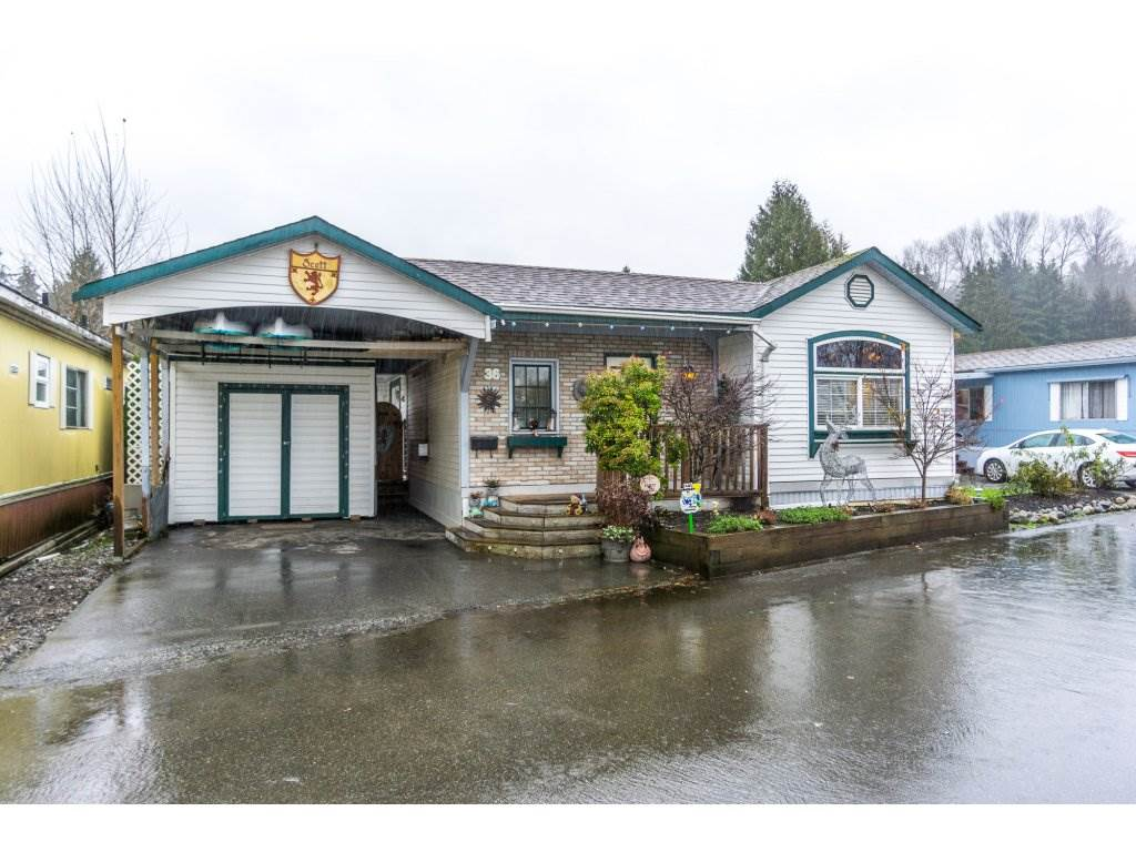 "Main Photo: 36 201 CAYER Street in Coquitlam: Maillardville Manufactured Home for sale in ""WILDWOOD MANUFACTURED HOME PARK"" : MLS(r) # R2127016"