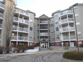 Main Photo:  in Edmonton: Zone 18 Condo for sale : MLS(r) # E4047382
