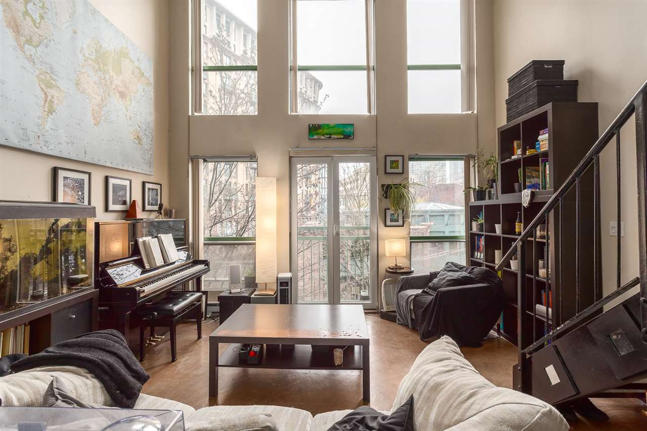 "Photo 3: 307 1 E CORDOVA Street in Vancouver: Downtown VE Condo for sale in ""CARRALL STATION"" (Vancouver East)  : MLS® # R2143894"