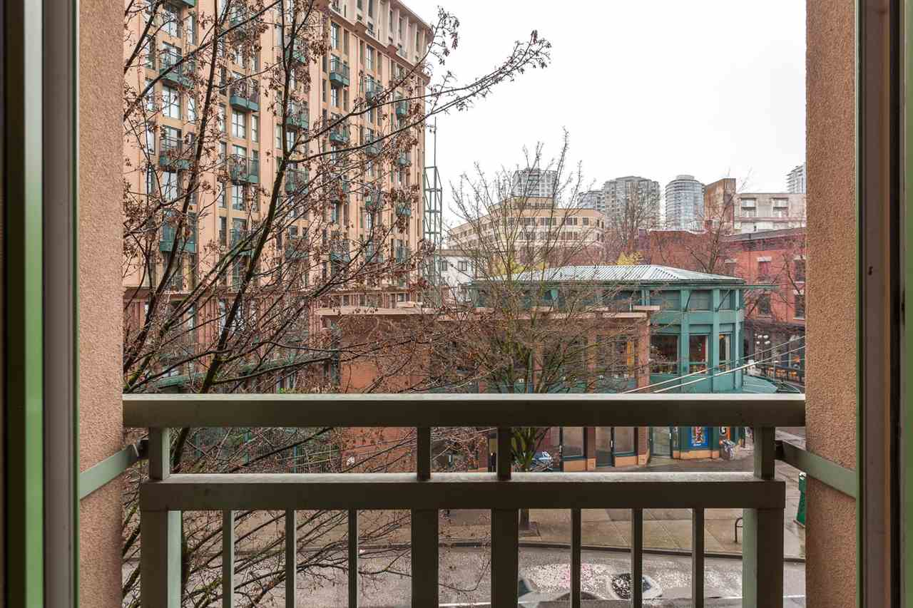"Photo 11: 307 1 E CORDOVA Street in Vancouver: Downtown VE Condo for sale in ""CARRALL STATION"" (Vancouver East)  : MLS® # R2143894"