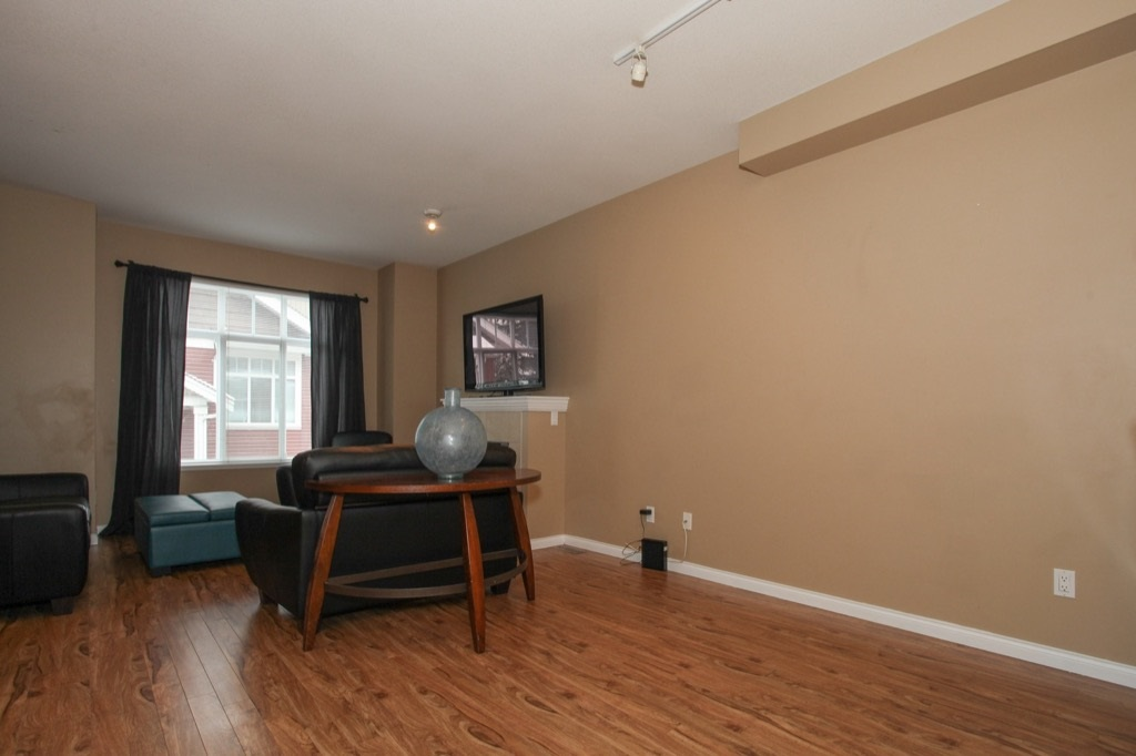 "Photo 7: 69 19455 65 Avenue in Surrey: Clayton Townhouse for sale in ""TWO BLUE"" (Cloverdale)  : MLS(r) # R2144536"