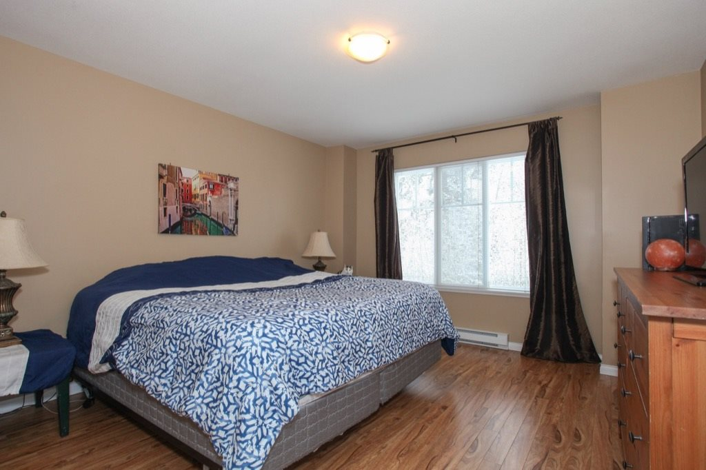 "Photo 13: 69 19455 65 Avenue in Surrey: Clayton Townhouse for sale in ""TWO BLUE"" (Cloverdale)  : MLS(r) # R2144536"