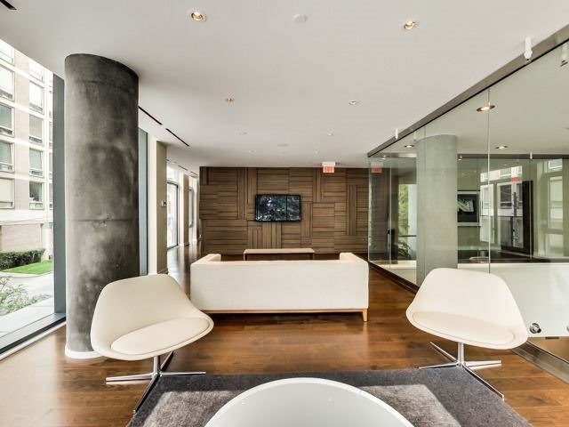 Photo 10: 2004 75 E St Nicholas Street in Toronto: Bay Street Corridor Condo for lease (Toronto C01)  : MLS(r) # C3747648