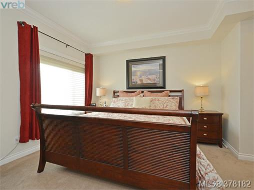 Photo 11: 207 9717 First Street in SIDNEY: Si Sidney South-East Condo Apartment for sale (Sidney)  : MLS® # 378182