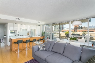 "Main Photo: 804 718 MAIN Street in Vancouver: Mount Pleasant VE Condo for sale in ""Ginger"" (Vancouver East)  : MLS(r) # R2168485"